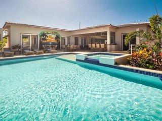 CASA COCO-SUENO Premium 4 Master at Residential Casa Linda