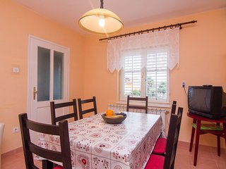Holiday home 189528 - Holiday apartment 224979