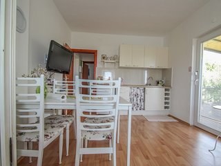 Holiday home 176916 - Holiday apartment 195396