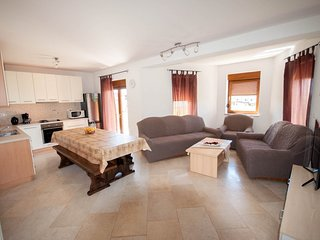 Holiday home 186348 - Holiday apartment 217407