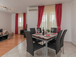 Holiday home 160847 - Holiday apartment 159487