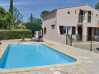 Beautiful home in Roquebrune sur Argens w/ 3 Bedrooms, Outdoor swimming pool and