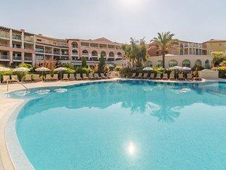 Appartement Premium, face à la baie de Saint-Tropez à 100m de la plage.