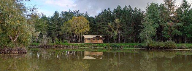 Domaine des Faverôts 'Esprit Nature ' location proche du parc Le Pal, vacation rental in Allier