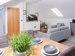 Saxon House Apartment 4-3 bedroom