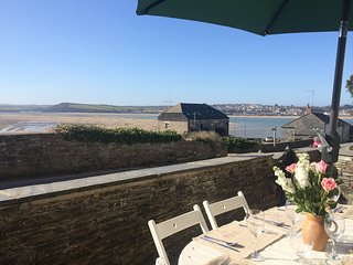 House in Central Rock overlooking the River Camel, sleeps 8-9