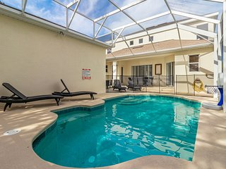 Chic home with private Pool & spa just 10 Min from Disney! Dogs OK!
