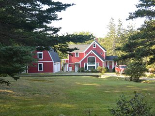 NEW LISTING! Lovely Home w/ Private Dock & Large Deck Overlooking Pickering Cove
