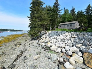 Dow Road Waterfront - House