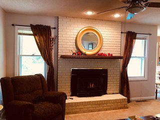 Cozy Beautiful Home in the South of Town Near Everything!