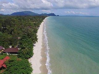 Khanom Beach Residence - 2 Bedroom Sea-View Condo on the Gulf of Thailand