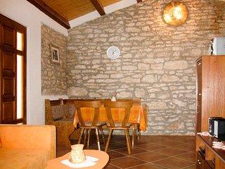 Haus Pinezici (RCA151)