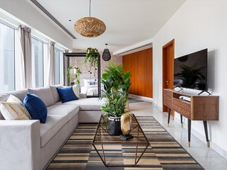 Stunning Spacious Studio in Central Park Towers