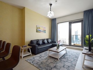 1BR Apartment | Full Marina View | Sparkle Tower