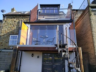 Impeccable 3-Double Bed Cottage in Sheffield