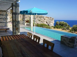 Villa Alati - Seafront Villa with swimming pool