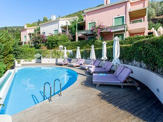 Modern Sophia Maisonette With Pool, 10 minutes from Lefkada Town