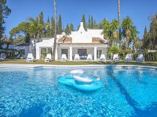 Hedo villas to rent Puerto Banus luxury rentals chef villa a louer Marbella