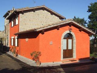 Red House/casa Rossa - Near Civita Di Bagnoregio