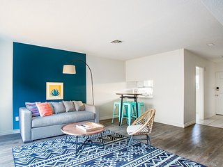 WanderJaunt | Castillo | 2BR | Point Loma