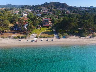 Villa Argo 1 - Beachfront, Big gardens, Amazing Location, Great View!