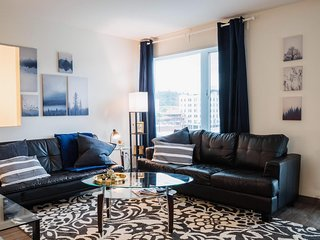 Stylish Corporate Rental 1 BR Suite in Seattle w/ Balcony