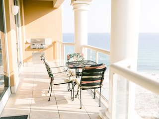 2BR GULF FRONT! Amazing views of the ocean and gorgeous sunsets!
