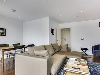 Charming 2bed/2bath flat w/Balcony near Islington