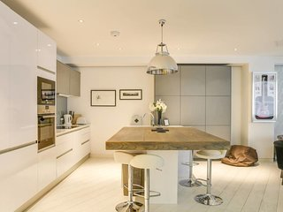 Luxury 2bed, 2bath loft-style flat in Covent Gdn