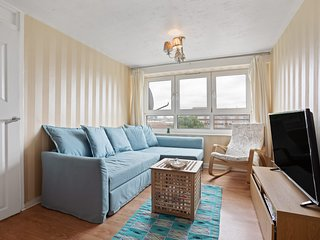 6th Floor 1Bed Apt, sleeps 4 nr Mile End Tube