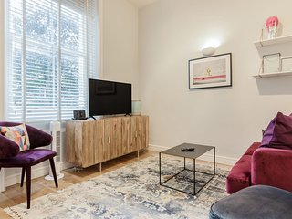 Chic 2bed apartment 2min walk to Earl's Court tube