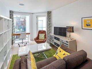 Funky modern 1 bed in trendy Clerkenwell w/balcony
