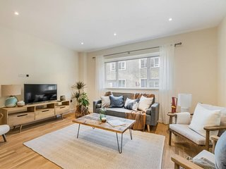 Chic 3 bed 2.5 bath 2 min to South Kensington tube