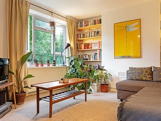 Spacious 1Bed Flat w/Balcony zone 2, 5mins to tube