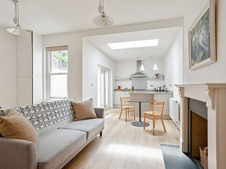 Amazing 1 Bed Apartment with Patio in Chelsea