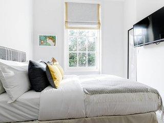 Designer 2 Bed on Hampstead High St