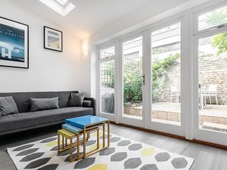 Delightful 2 bed home in heart of Camden