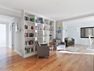 Spacious 3 bed 2 bath Apartment in Clerkenwell