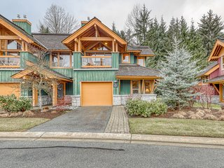 Stunning mountain retreat w/ private hot tub, forest views & central location!