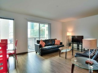 Cozy and Modern Furnished Suite in Seattle