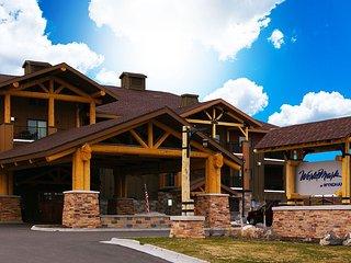Luxury 2 Bdrm Yellowstone Condo Aug 1-8, 2020