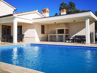Awesome home in Koromacno w/ Outdoor swimming pool, WiFi and 4 Bedrooms (CIO275)