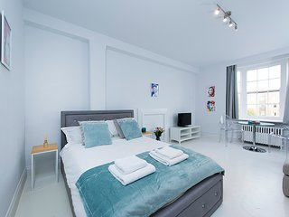 48PC - Fabulous studio flat in Bayswater!