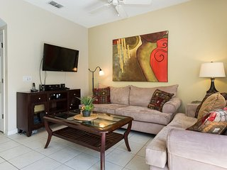 Lovely 3 bedrooms Town Home at Bella Vida Resort