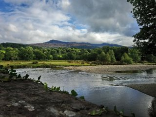 Valley View . 17th Century Barn - Apartment Sleeps 5 Snowdonia