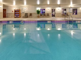 Free Breakfast + Indoor Pool + Hot Tub | Only 10 Minutes from the Zoo