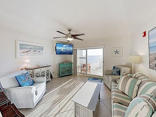 Gulf Front Condo w/ Water View & Pool