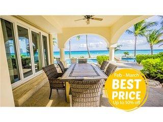 Luxury Villa for friends or Family - Beachfront w/pool