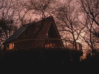 The Hudnalls Hideout - Luxury Treehouse