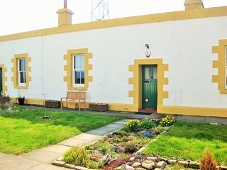 Aberdeen Lighthouse Cottage 4 - discover it